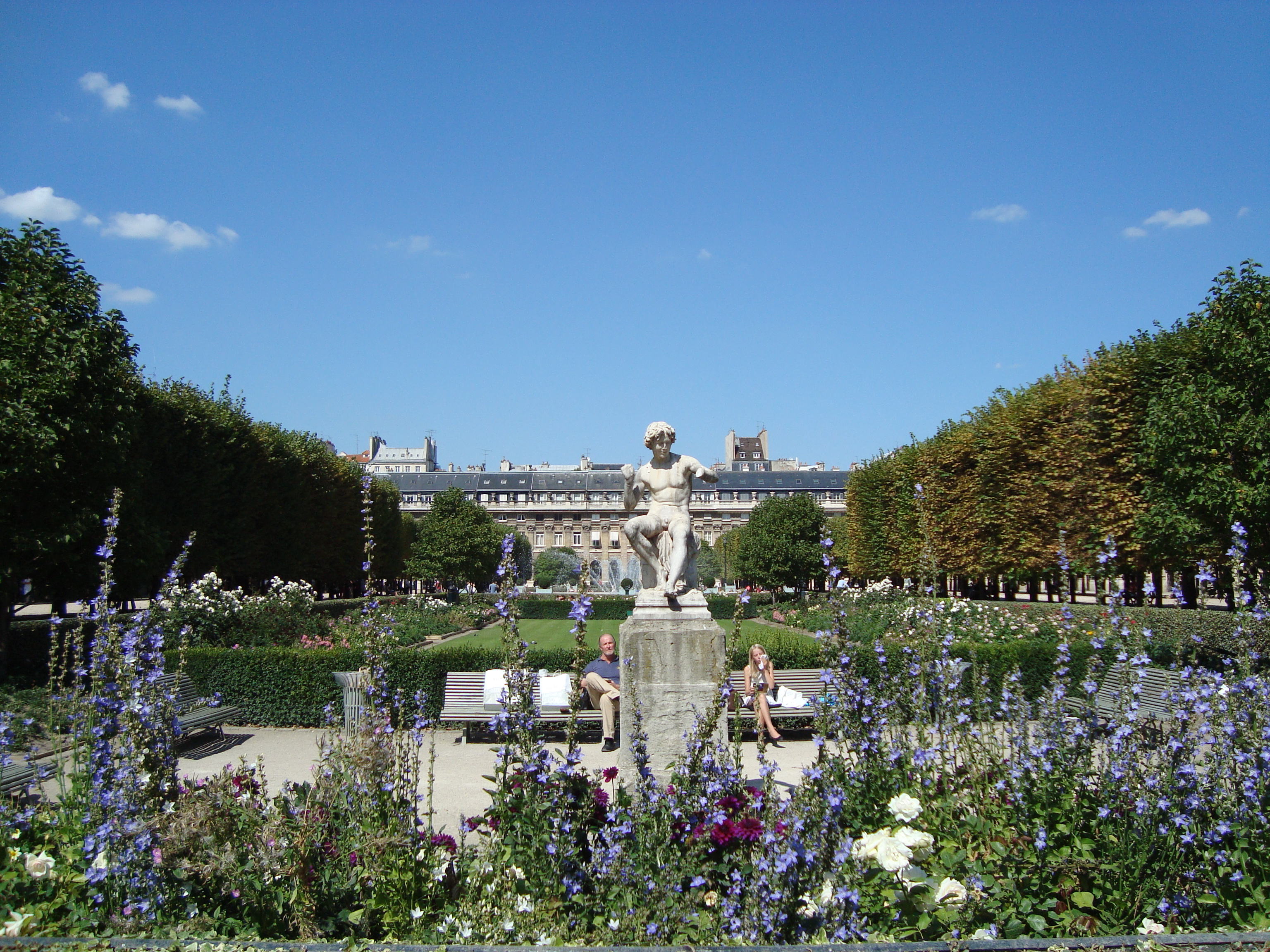I love paris in the springtime a user s guide to the bnf for Jardin paris