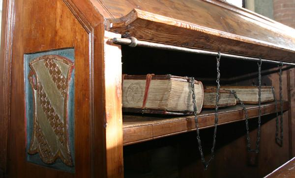 The last of the great chained libraries medievalfragments for Interno undici cesena