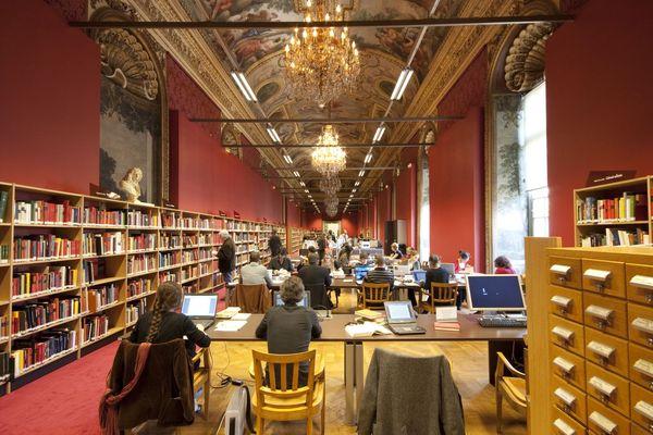 Manuscript Reading Room  © www.bnf.fr