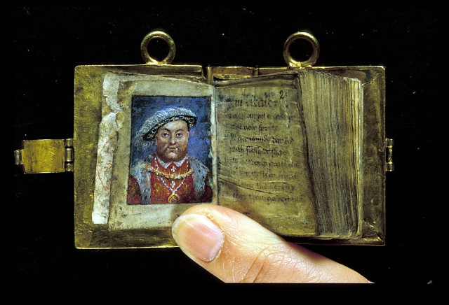British Library, MS Stowe 956, f. 1v-2r. Copy of the psalms preceded by a miniature of Henry VIII.