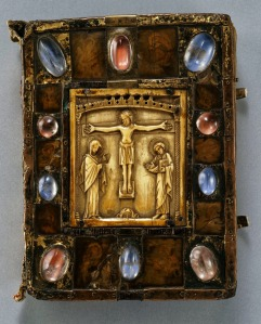 Gospel Book (so-called Small Bernward Gospel) Front cover: German (Hildesheim), second half of 12th century. Gilded copper, rock crystal, paint on parchment under horn on oak; Byzantine ivory plaque. Dom-Museum Hildesheim (DS 13) Photograph by Erika Dufour, courtesy of the Art Institute of Chicago.